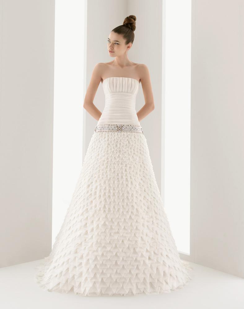 Незвична геометрична сукня Navio від Aire Barcelona 090ff87def358