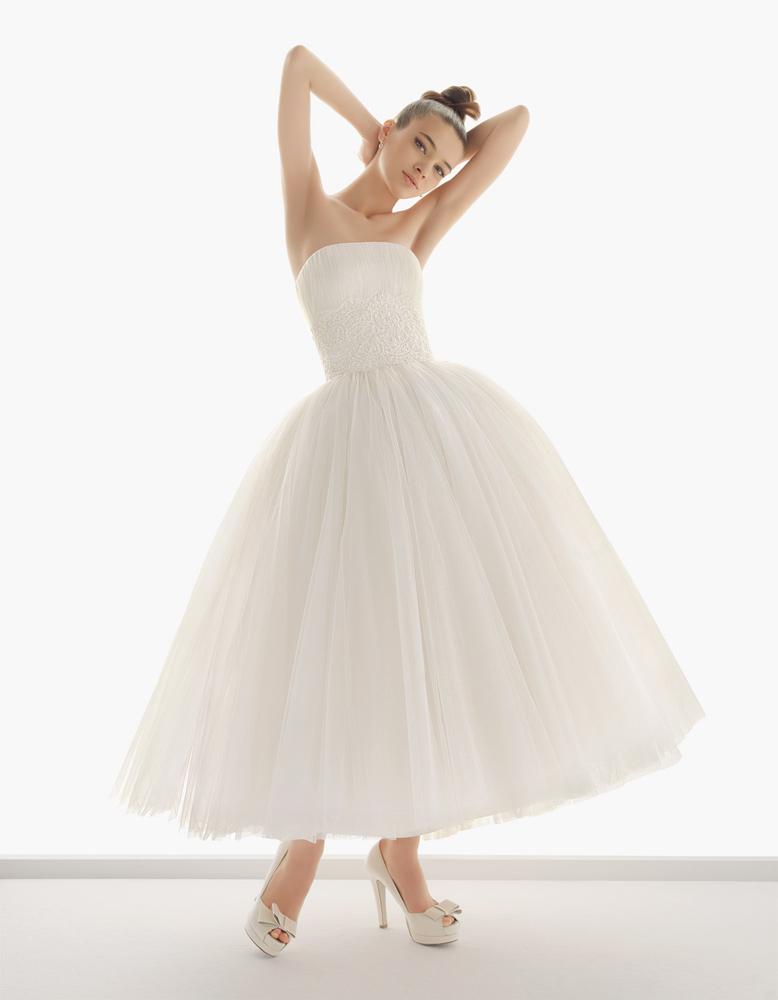 Сукня із закороченою довжиною Nazaret для справжньої балерини від Aire  Barcelona. Весільна ... bdfc1003dd543