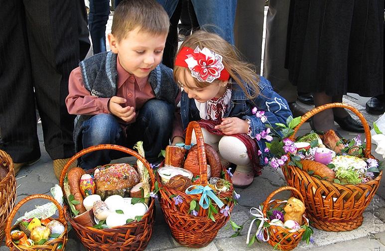 Навіщо на Великдень стукаються писанками: традиції Пасхи 11