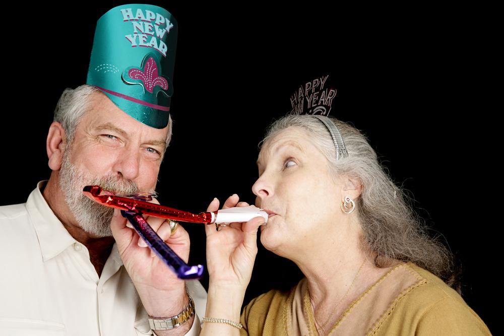 Випустити рибу, викинути меблі і голосно кричати. Як світ відзначає Новий рік. Традиції
