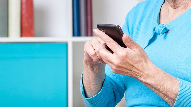 Коли ламається смартфон, або Що буде, якщо ваша бабуся з'явиться у  Instagram | Українська правда _Життя
